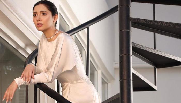 GEO LSA 2021: Vogue editor Rauda Mohammad fawns over Mahira Khan