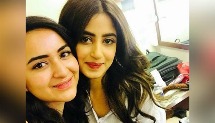 Sajal Aly writes loving note to Yumna Zaidi after bagging 2 Lux Style Awards