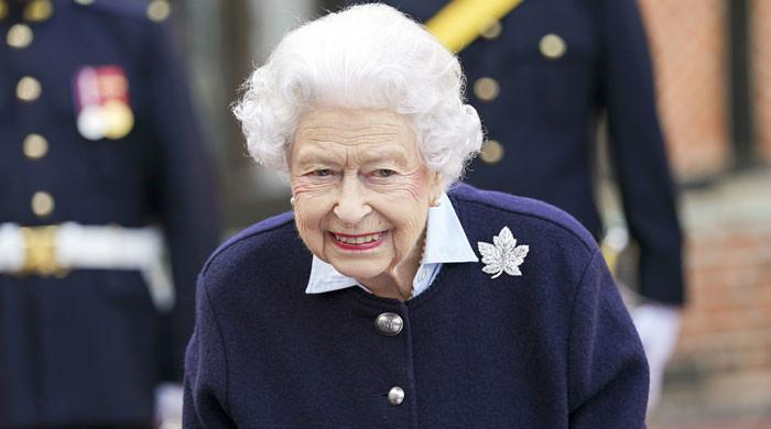 Queen claps back at Prince Charles' monarchy by 'pushing lesser royals'