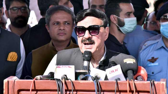 PM Imran Khan is lucky to get such a worthless Opposition: Sheikh Rasheed