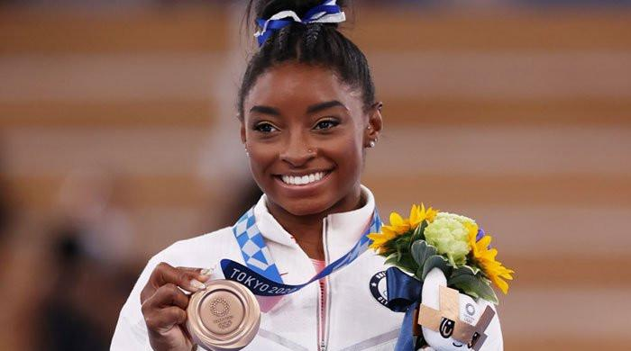 Simone Biles emotionally opens up about experiencing 'twisties'