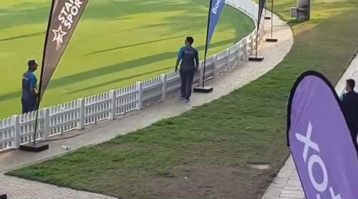 T20 World Cup: Shahnawaz Dahani chats with Dhoni during training