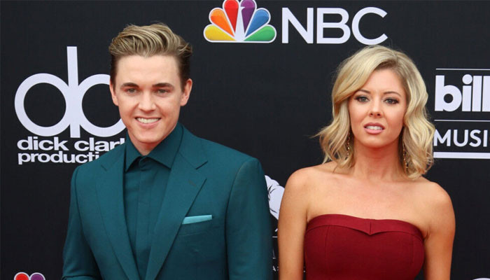 Jesse McCartney ties the knot with Katie Peterson - Geo News