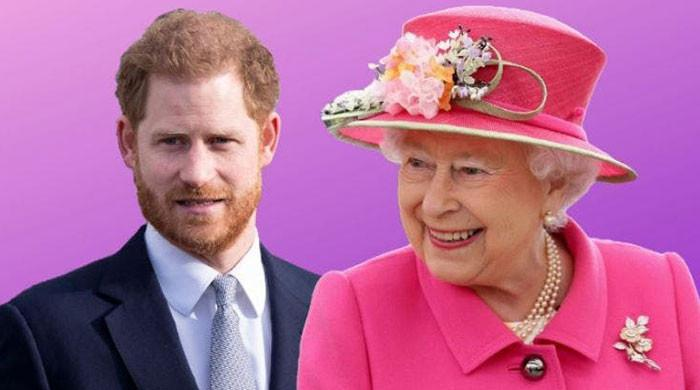 Prince Harry would 'never forgive himself' if Queen died before he met her